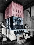 Cuatro años, el mejor arquitecto, 60 artistas y 150 artesanos para una casa de muñecas